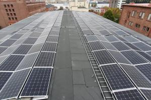 Solceller värmer hus i Göteborg